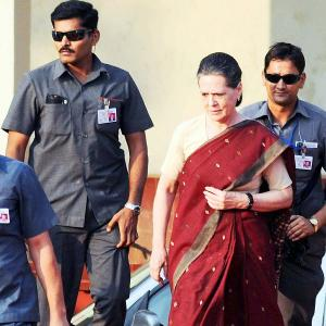 If Modi can't have SPG cover, so shouldn't the Gandhis