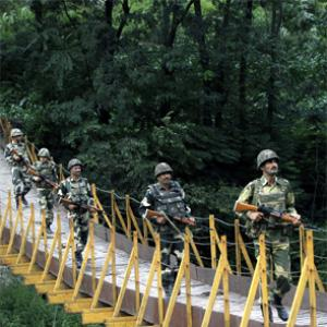 BSF told to tighten vigil on border with Pakistan