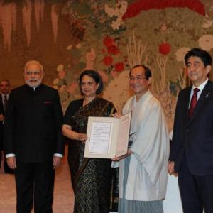 India, Japan sign MoU to develop Varanasi into 'smart city'