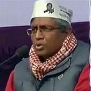 Complaint against AAP's Ashutosh for blog defending tainted minister