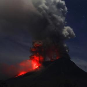 Dramatic photos of volcanic eruptions at Mount Sinabung, Indonesia