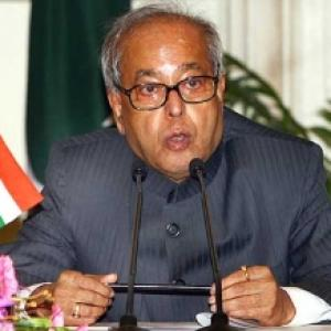 Pranab on R-Day: Election comes with a warning, perform or perish!