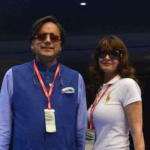 Doctor says he was under pressure to alter Sunanda autopsy