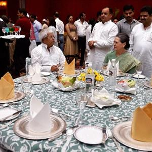 Opp to strategise on Parliament session at Sonia's Iftar
