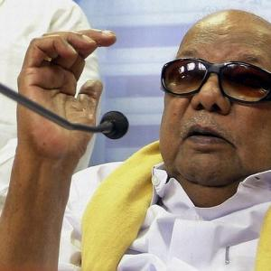 Modi sarkar, DMK in war of words over Hindi