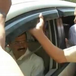 'Busy' Modi refuses to meet Kejriwal in Ahmedabad