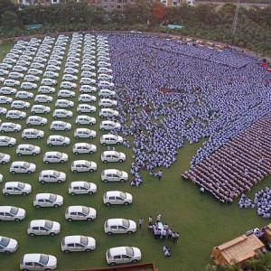 The desi Oprah who gifted 200 homes, 491 cars for Diwali