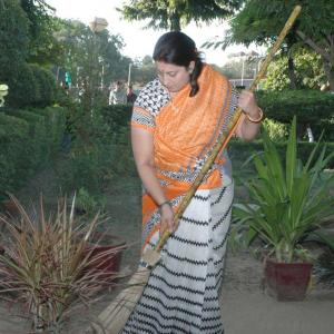 When Smriti Irani made a clean 'sweep'