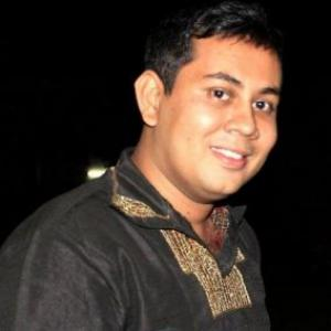 Blogger hacked to death in Bangladesh; fourth incident this year