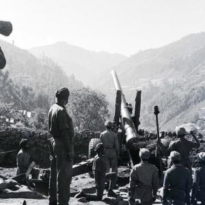 When the nation stood as one: Pages from a  Indo-Pak war journal