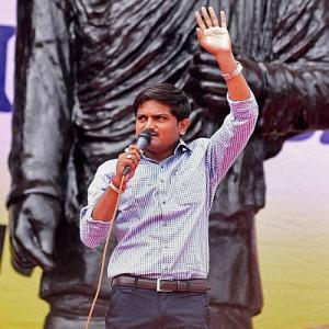 Hardik calls out Patels of India to join quota marathon