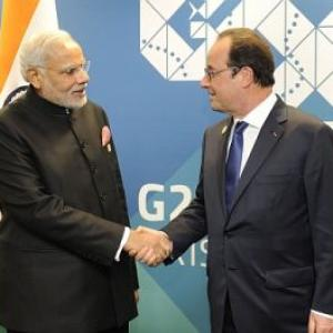 Paris terror attack: PM Modi speaks to French President