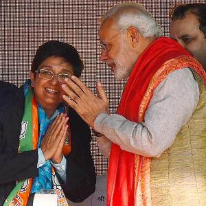 AAP a 'backstabber'; Bedi will take Delhi to new heights: Modi