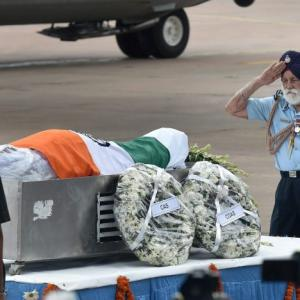 PHOTO: 96-year-old Marshal's moving farewell to President Kalam