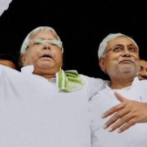 Lalu throws alliance ball in Nitish's court
