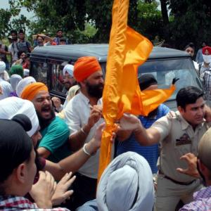 1 killed, 6 hurt as Sikh youth clash with J&K cops