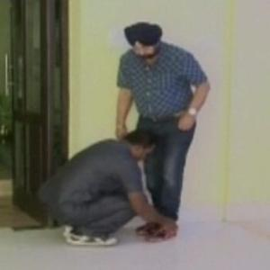 BOO Mamata minister who got security personnel to tie his laces