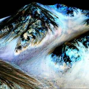 PHOTOS: There's flowing water on Mars