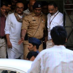 Prison doctor removed for fudging Bhujbal's medical records