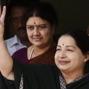 Jayalalithaa's assets worth Rs 113.73 crore!