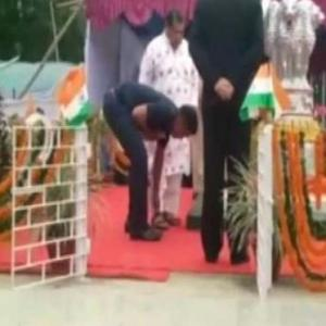 Odisha neta makes security officer open sandal straps, says 'I'm the VIP'