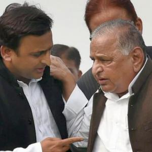 Akhilesh to contest from Mulayam's Azamgarh seat
