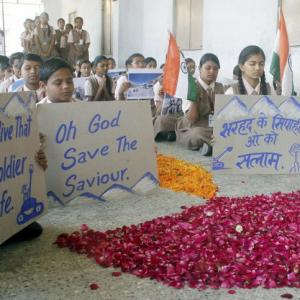 PHOTOS: India prays for miracle Siachen soldier