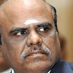 In a first, SC issues contempt notice to Justice Karnan