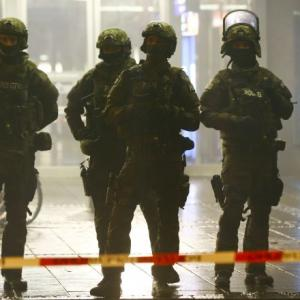 Munich terror alert: Police hunt ISIS suspects behind New Year's Eve threat
