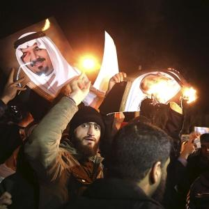 Saudis sever ties with Iran as row over Shiite cleric's execution escalates