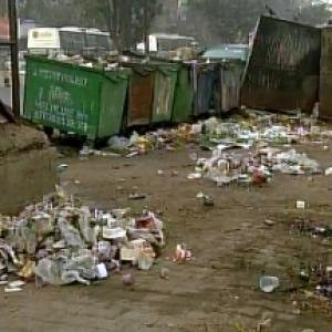 Unfazed Delhi govt sets up 'task force' to clear garbage