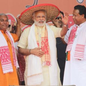 I sold Assam tea, have special bond with this state: Modi