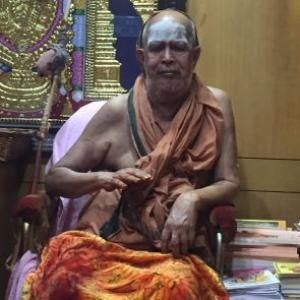 Kanchi shankaracharya predicted: 'Jayalalithaa will win'