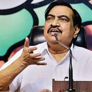 Khadse likely to get clean chit by cops in Dawood call case