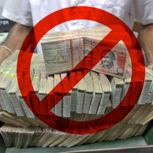Rs 500, 1000 notes scrapped; ATMs, banks closed tomorrow