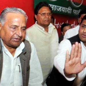 No truce in sight; Akhilesh, Mulayam fight for 'cycle'