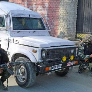 Srinagar: Terrorists attack CRPF convoy, jawan killed