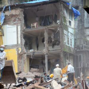 100-year-old building collapses in Mumbai, 16 killed