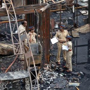 Mumbai blaze kills 15, restaurant owners charged with culpable homicide