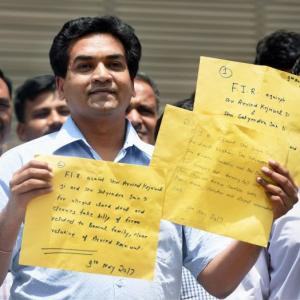 After seeking blessings, Kapil Mishra files 3 CBI complaints against 'guru' Kejriwal