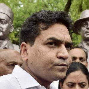 EC asks Twitter to take down Kapil Mishra's tweet