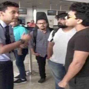 Aditya Narayan threatens official at Raipur airport