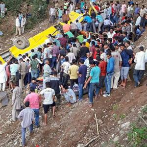 27 children dead as school bus falls into gorge in Himachal