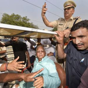 Lalu alleges 'political conspiracy' after being discharged from AIIMS