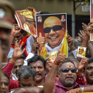 RIP Karunanidhi: DMK supporters weep and wail outside hospital