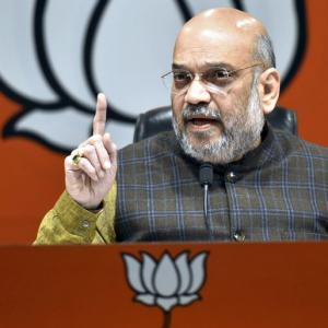 Rafale deal: Amit Shah asks Rahul to apologise; Congress demands JPC probe