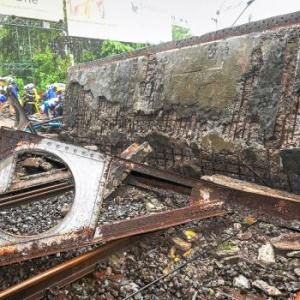 5 hurt as part of bridge collapses in Mumbai; railway orders probe