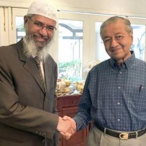 Won't give in to India's demand to deport Zakir Naik, says Malaysian PM