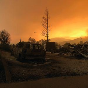California blazin': 95,000 acres, 874 structures razed in deadly fires