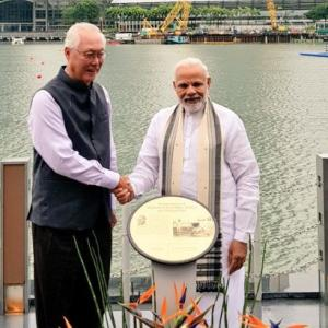 Modi unveils Gandhi's plaque, meets Mattis in Singapore